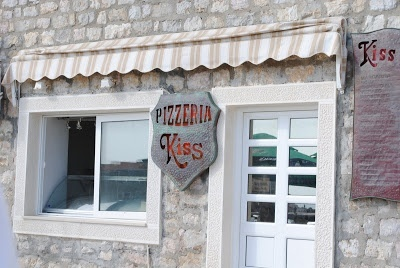 Города Черногории. Петровац