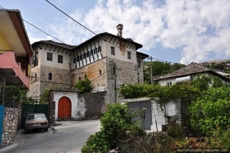 Жирокастр, Албания