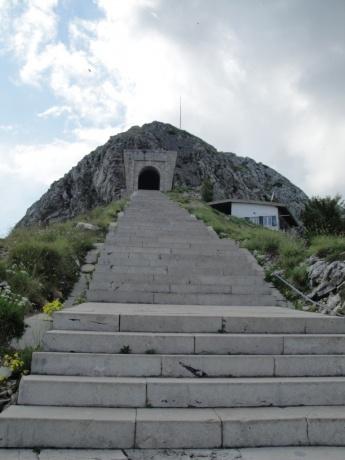 По Черногории на машине