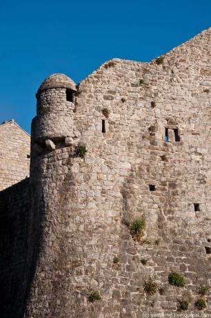 Черногория, ч.2 - Будва, Cтарый город.
