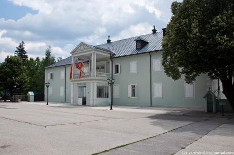 Лучшую недвижимость в черногории