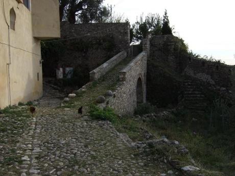 По Албании сверху донизу осенью 2010. Чать 2