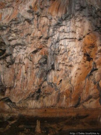 Пещера Постойна Яма
