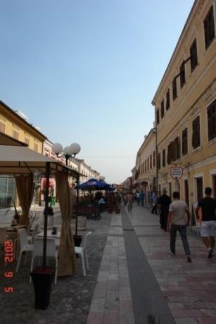 Про Албанию