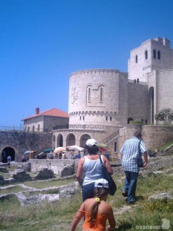 Крепость Круя - На безрыбье и рак рыба