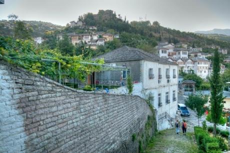 Албания из окна автомобиля