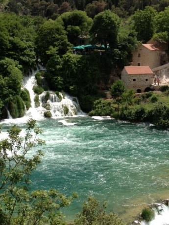 Два с половиной человека в Хорватии. Отчет об отпуске в Тучепи.