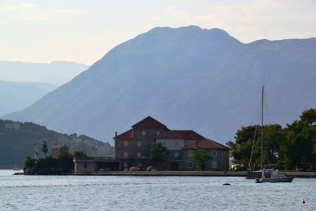 Прогулка по Montenegro. Honeymoon в палатке