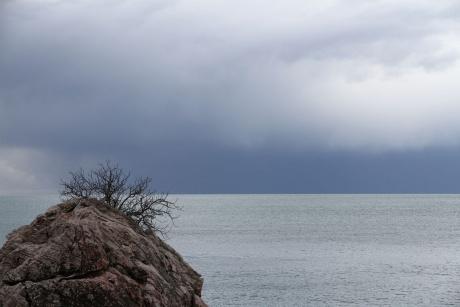 Мертвый сезон. Незапланированная поездка к незамерзшему морю.