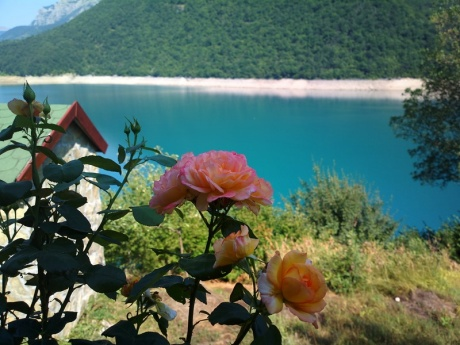 Черногория 2015: с чемоданами на общественном транспорте (Часть 1).