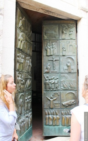 В объятиях древнего города