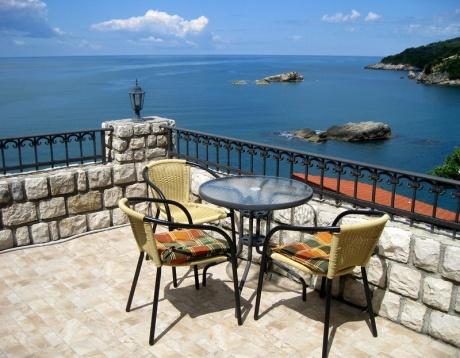 Недвижимость в черногории не у моря