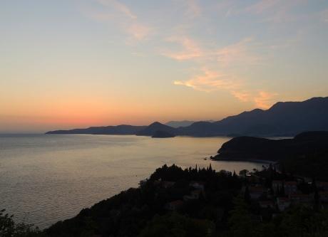 В погоне за закатом в Черногории