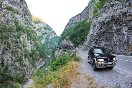 В Черногорию на авто через Румынию и Сербию: дороги, визы, цены