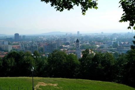 Любляна. Словения - По дороге в Любляниский град