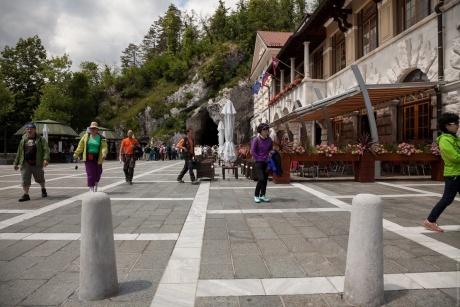 Постойнска-Яма и Русский мост. Словения.
