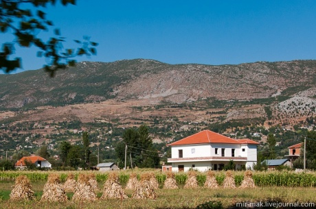 Албания – страна бетонных бункеров