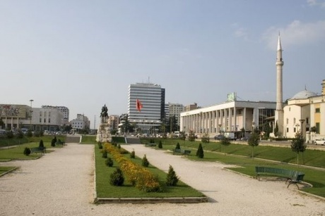 Shqipëria - страна Мерседесов.