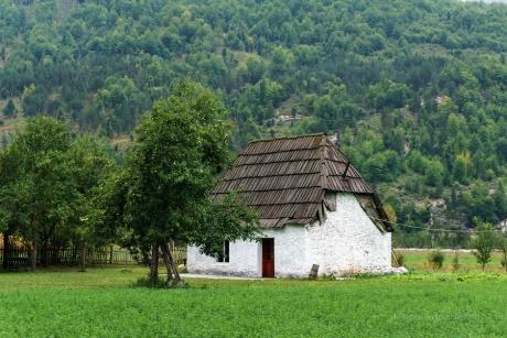 Албанская осень.