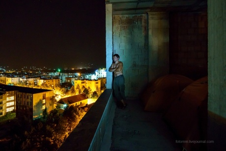 Албания. Ночевка на крыше и путь на север.