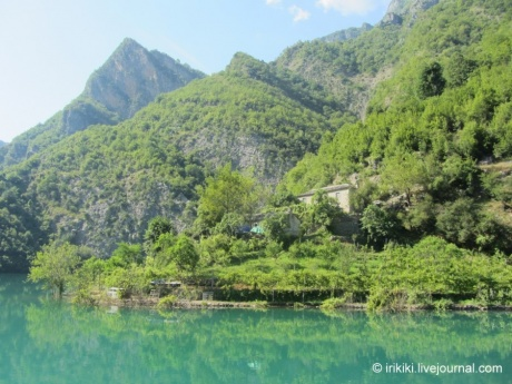Путешествие по Команскому озеру, Албания