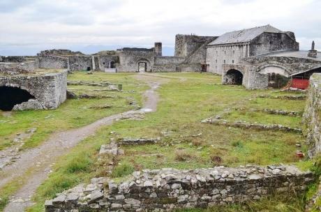 Из Черногории в Албанию на один день: крепость Розафа.