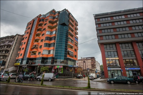 Город трущоб и одной приличной улицы