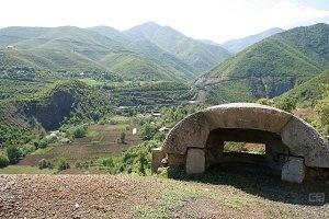 Албания - страна орлов, бункеров и новостроек.