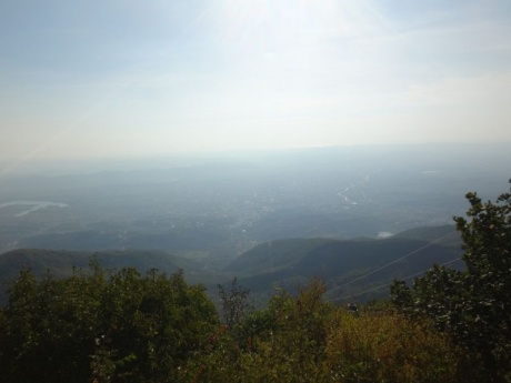 Опять неевропистая Европа: открытие Албании (Часть 6) Окраины Тираны