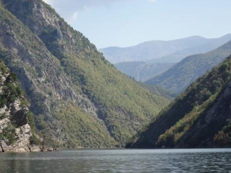 Опять неевропистая Европа: открытие Албании (Часть 4) Озеро Коман