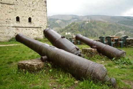 Гирокастра - старинный албанский город и крепость