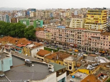 Тирана. Цветной город.