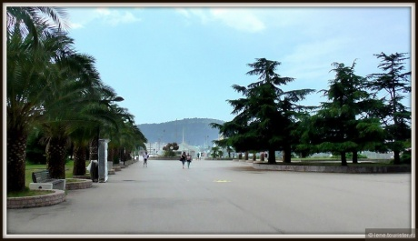 О Monetenegro замолвлю я слово. Бар, пляж Ада-Бояна и Будва.