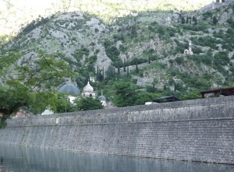 Черногория: курортная и не очень. День 1 - Прилет. Котор.