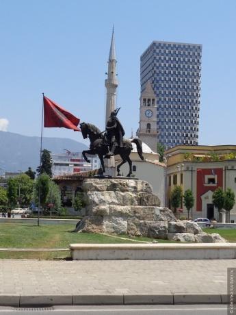 Нестандартный выбор. Албания.
