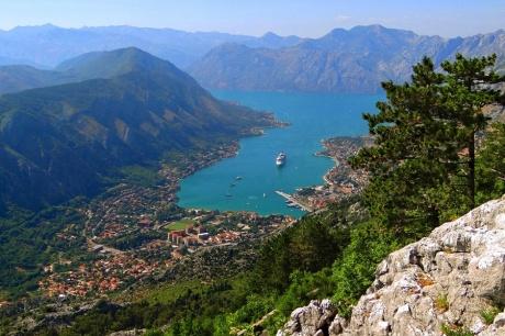 Боко-Которский залив. Черногория.