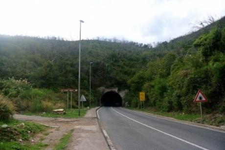 Будва. По шоссе Е65 через хребет Костаньица