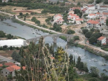 Уютный город на побережье Черногории