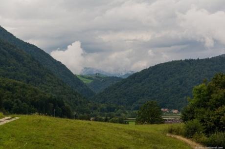 Крутые горы, бирюзовые водопады, чистейшие озера. День - 1.