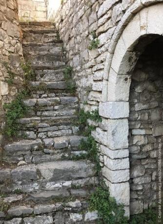 Самостоятельно по Албании — горный Берат и его крепость